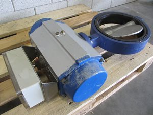 Butterfly valve DN 250 PN 16 - pneumatic actuated