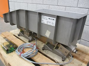 Electro-magnetic dosing feeder