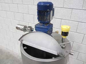100 litre jacketed tank with gate agitator