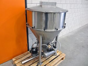 Feed station for vacuum conveying system - 250 liter