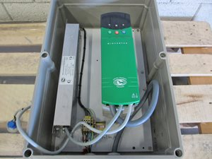 2.2 kW Frequency Converter for stepless rpm adjustment of drives