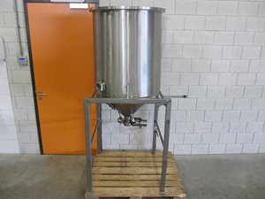 450 litre stainless steel tank - conical bottom - AISI 316