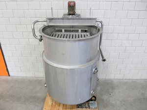 1300 litre jacketed mixing tank